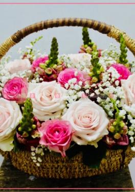 Giỏ lục bình và hoa hồng - D27306 - xinhtuoi.online