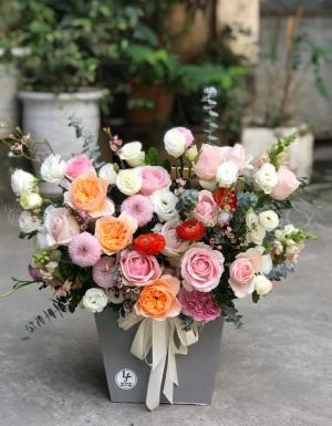 hộp hoa chúc mừng - D37204 - xinhtuoi.online