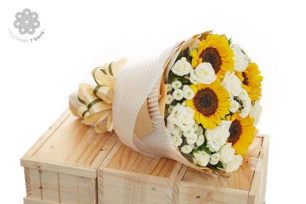 Hoa mừng tất niên cho một năm vẹn tròn- Hoa 7 Ngày - xinhtuoi.online